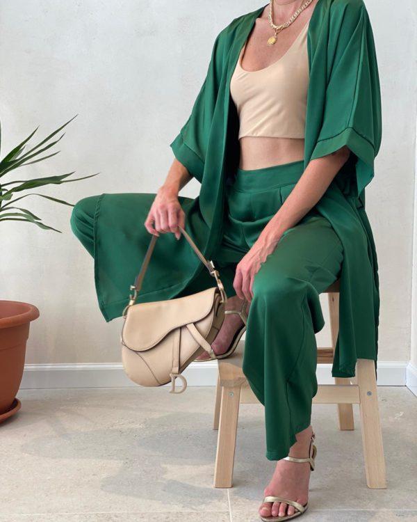 חליפת סאטן קימונו ירוקה
