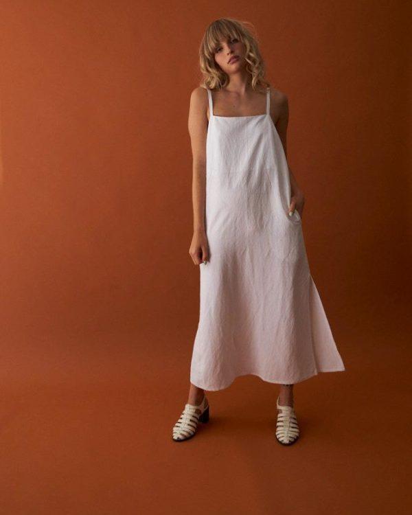 שמלת לילי לבנה