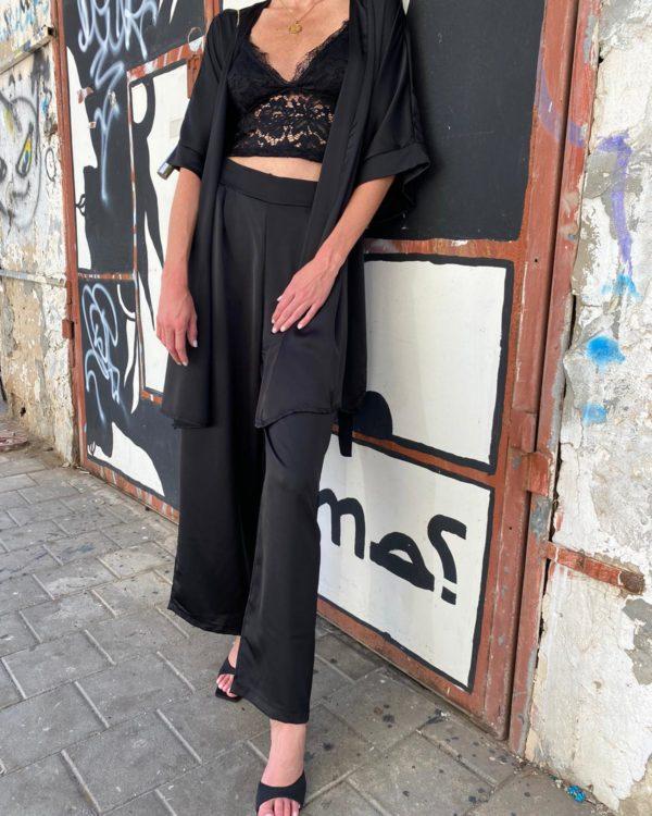 חליפת סאטן קימונו שחורה